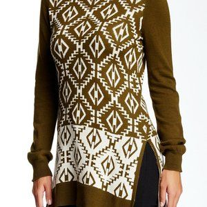 Romeo and Juliet Couture Knit Turtleneck Tunic